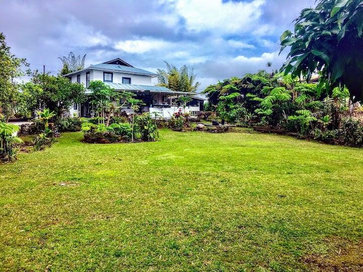 Plantation Estate-Whole Upstairs Duplex Hawaii