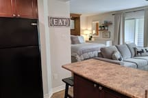 New furniture, paint and decor and enjoy a fresh, clean space for your summer getaway.   Our studio is perfect for couples, families, and friends looking to enjoy Blue Mountain and the surrounding area!