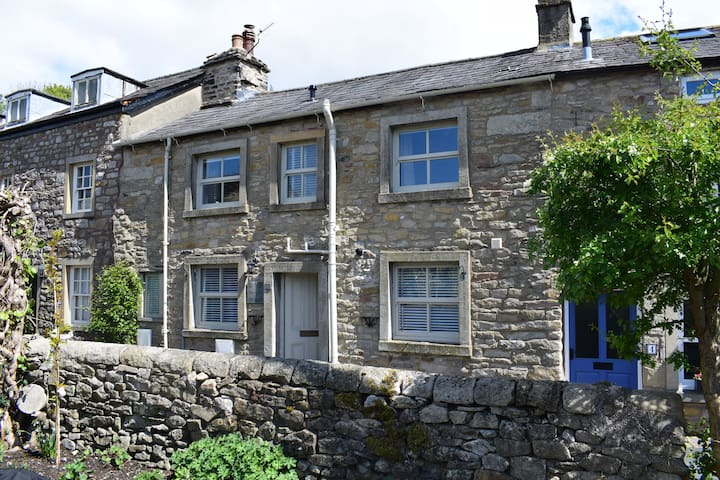 Fabulous homely cottage in the heart of Settle