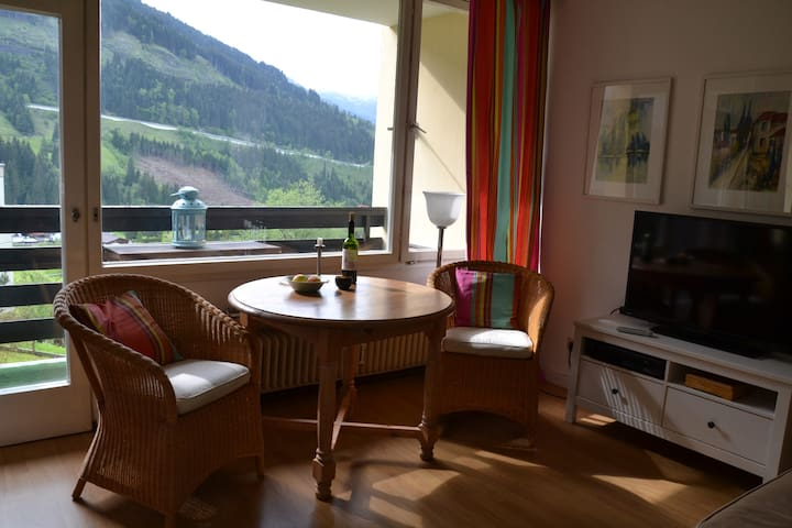 Panoramablick aus Zweizimmerwohnung - Badgastein - Apartamento