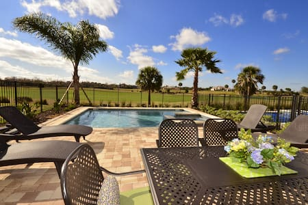 Exquisite 5BR Golf Front Pool House - Four Corners