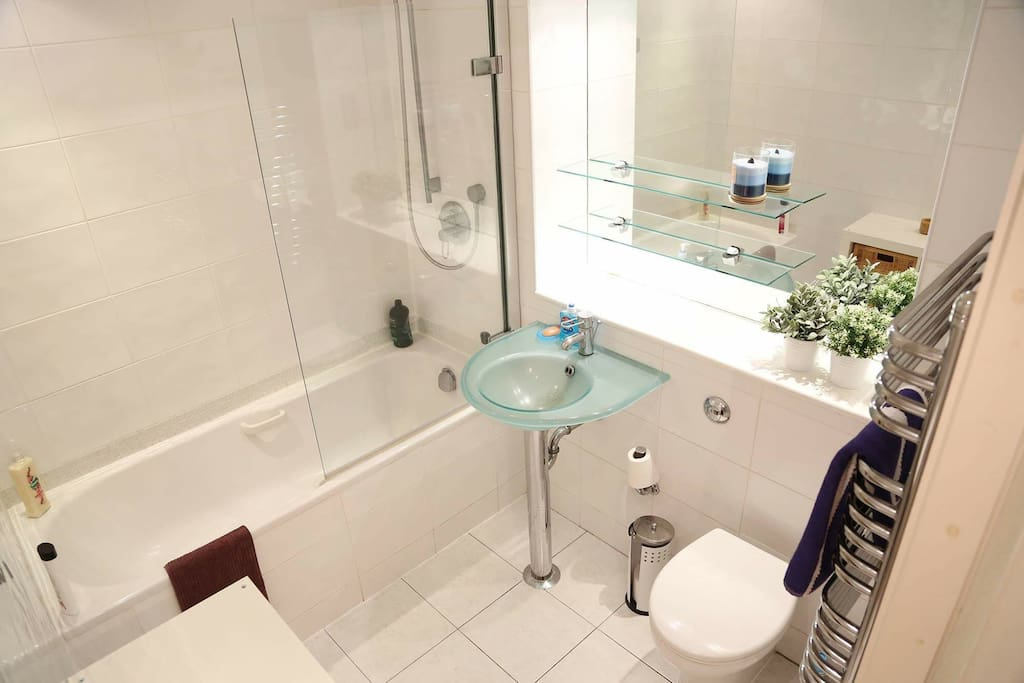 Modern, clean bathroom. Shared with host.
