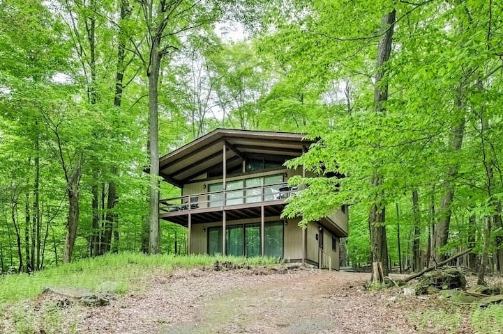 New! Secluded 3BR Gouldsboro House w/ Lake View!