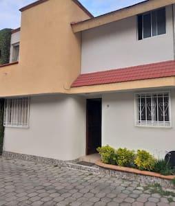 Casa Sola privacidad y confort de 1 a 6 Huéspedes