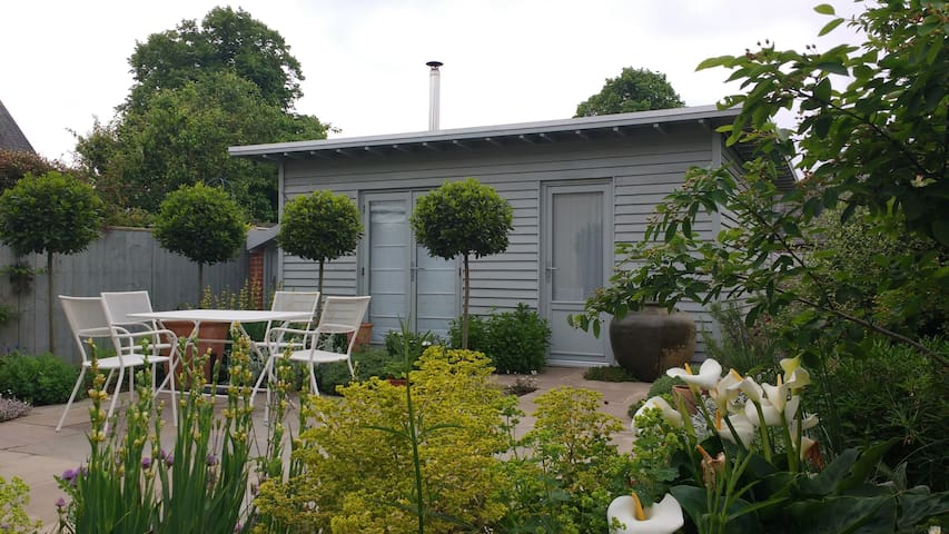 The Garden Studio near the centre of Chichester