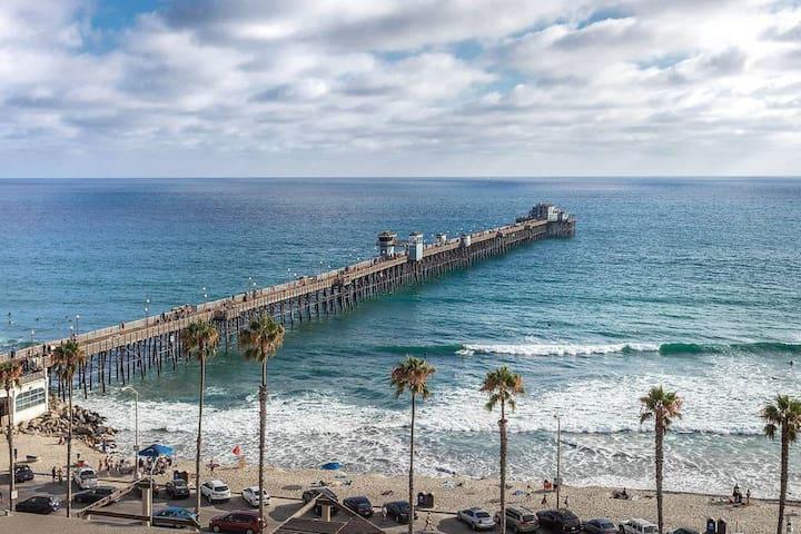 WorldMark resort: walk to the beach and pier