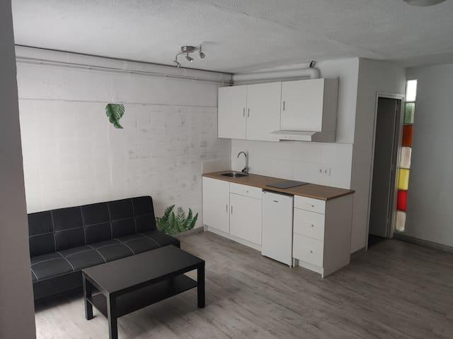 Habitación Independiente a 3' andando de la Playa