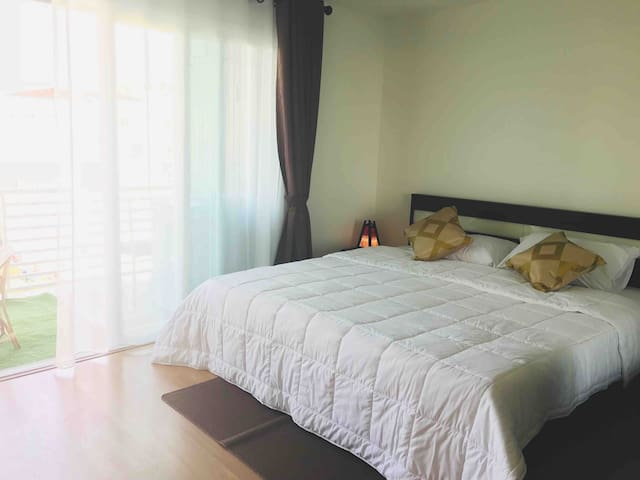 宁曼路两房NINMMANcondo/2bedrooms/MOUNTAINview/POOL/gym