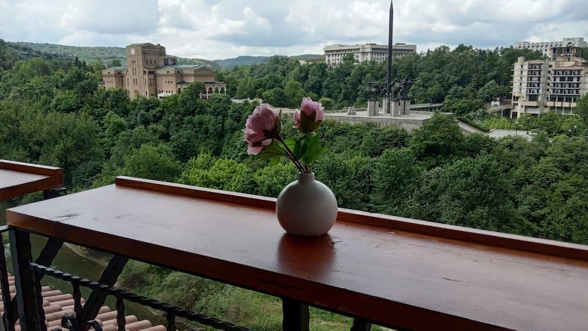 Tarnovo Studios 2
