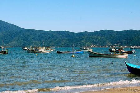 Belo ap. 3 quartos praia Canto Grande/Mariscal - 邦比尼亞斯(Bombinhas) - 公寓