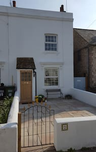 Parade Cottage - Eastbourne - House