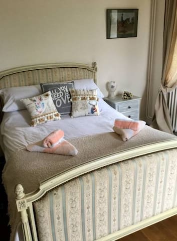 Le Gustavienne Bed Breakfast Mouliherne France - Mouliherne - Гестхаус