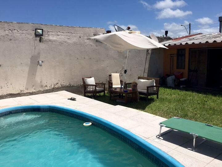 Casa com piscina em Atlântida Sul