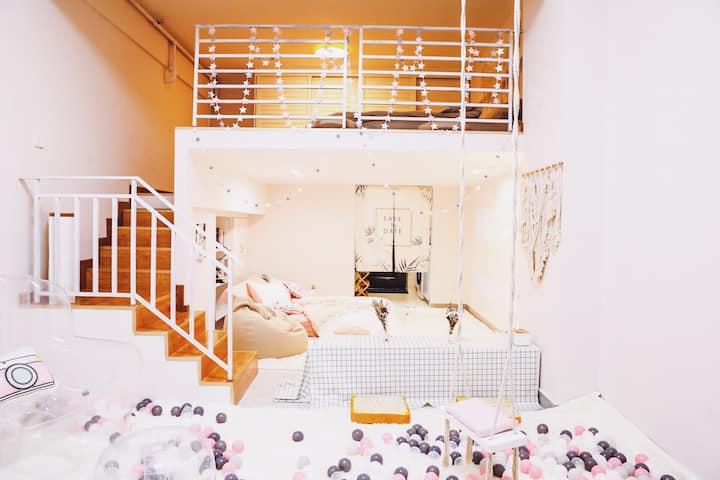 网红少女风 | 地铁口   | 五一商圈 | 太平街 | 150寸影院loft公寓