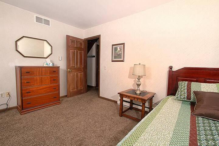Main Floor Single Bedroom - #2 of 4 Bedrooms