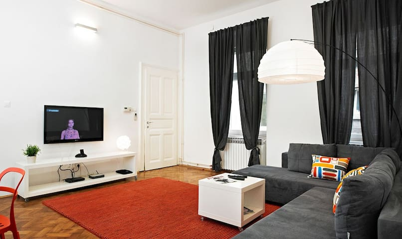 Cozy Three bedroom apartment with TOP location