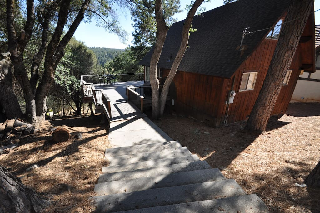 Deer Haven. Pet Friendly Pine Mountain Lake Vacation Rental, 25 miles to the entrance of Yosemite, Hwy 120 corridor. Unit 3 Lot 98