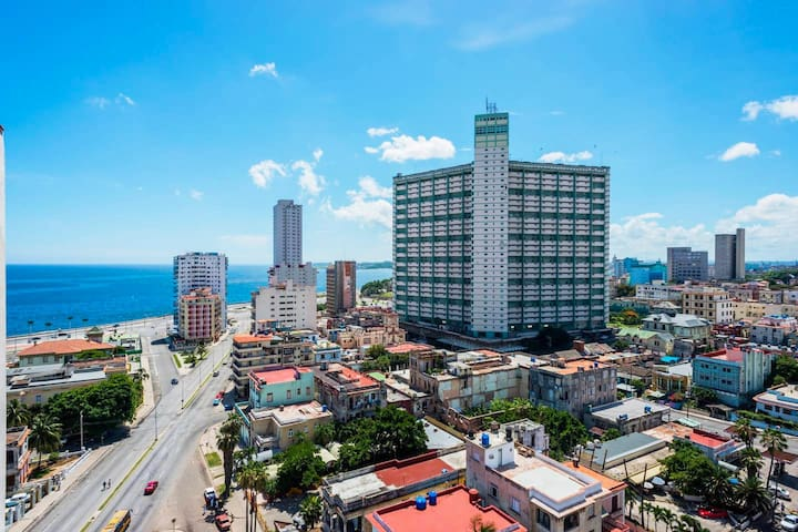 Vedado ¨La Rampa¨Great Suite
