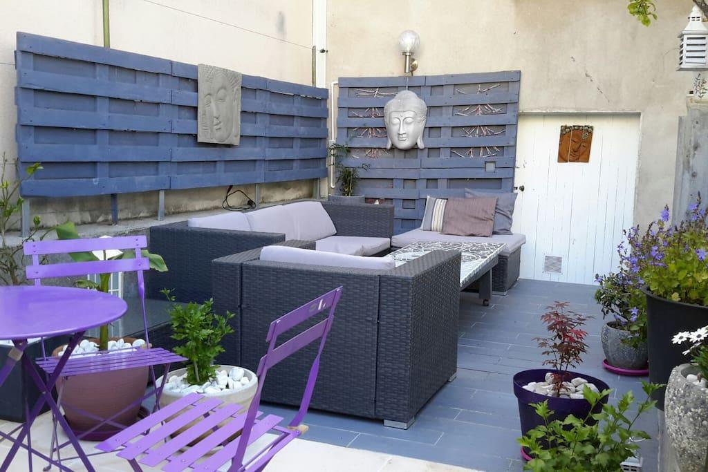 chambre au calme vue sur jardin maisons louer clermont ferrand auvergne rh ne alpes france. Black Bedroom Furniture Sets. Home Design Ideas
