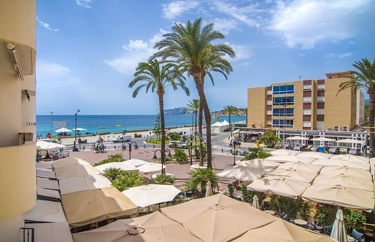 TONI, apartment in Moraira, on the first line of the sea