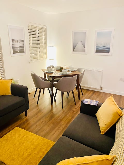 FRESH AND CLEAN APARTMENT ---STIRLING---