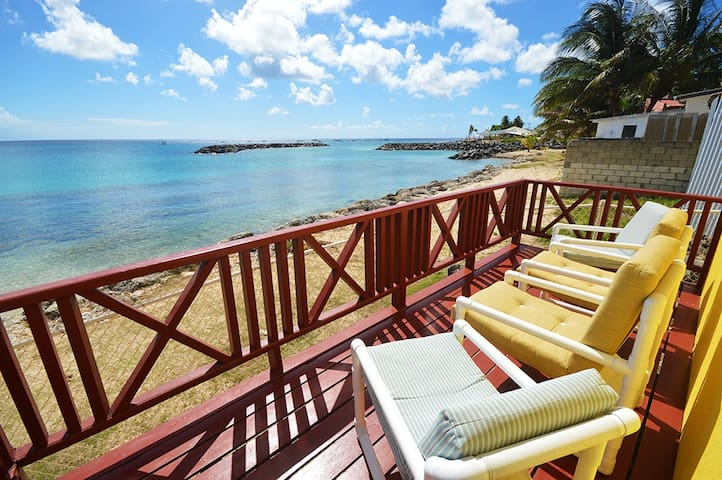Beachfront and Good Snorkeling, Ground Floor Apt 2