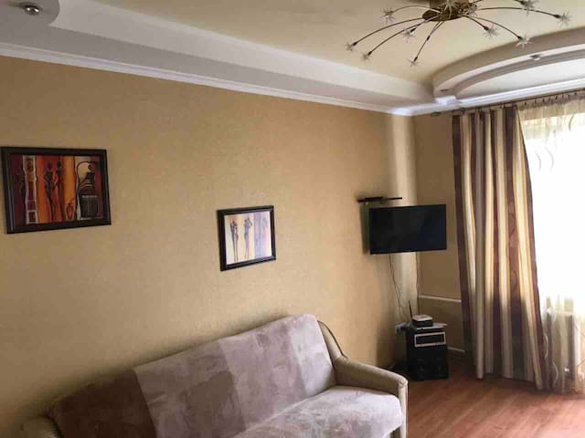 """Comfortable flat in the center """"Palace Ukraine"""""""