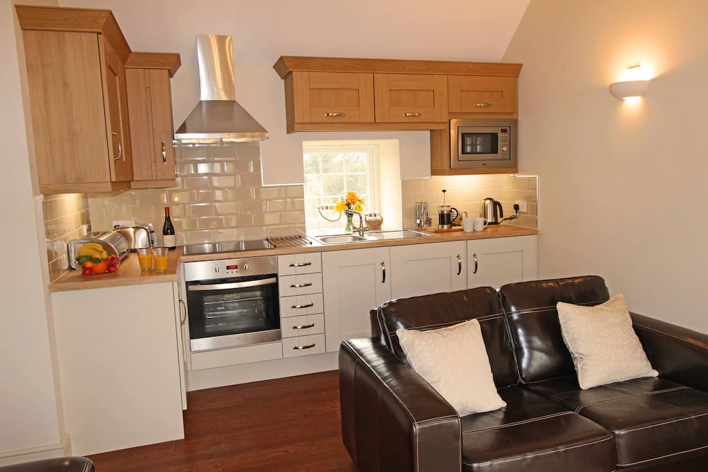 Eaststone Cottage, Whickham, Newcastle upon Tyne. Kitchen and living area.