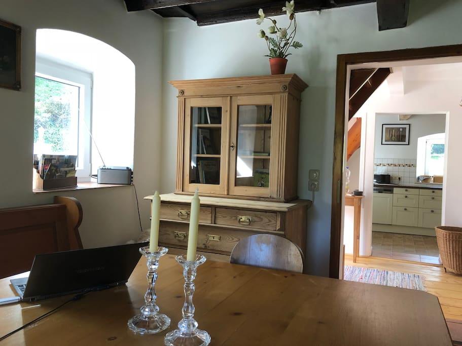 Blick von der Stube in die Küche