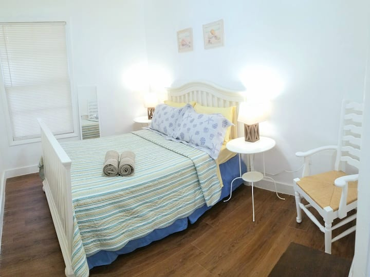 Get a Beachy feel in lovely room, w/self check-in