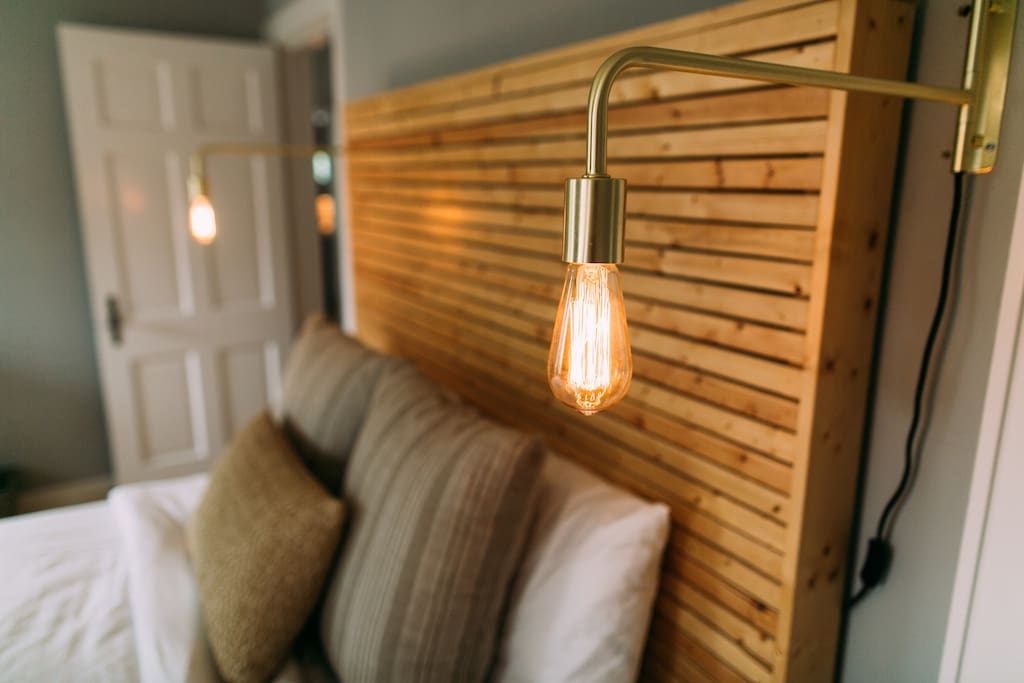 Edison bulb, bed side sconces