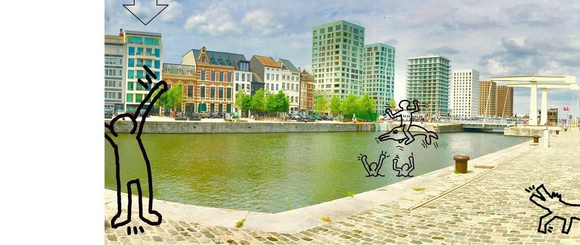 """Eilandje Antwerp """"Les pieds dans l'eau"""" Jachthaven"""
