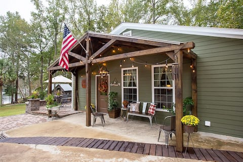 Retreat Cottage w/Outdoor Oasis & Lake Access