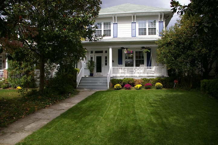 Gorgeous spaceous home in DC, close to metro - Washington - Dům