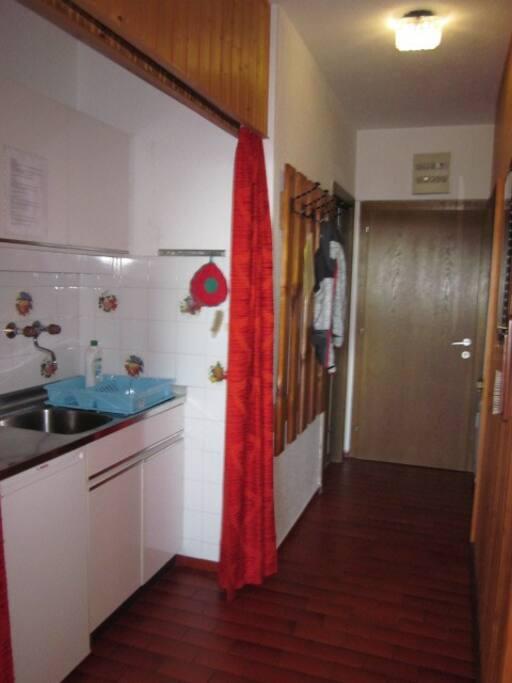 Küchenzeile/Vorraum