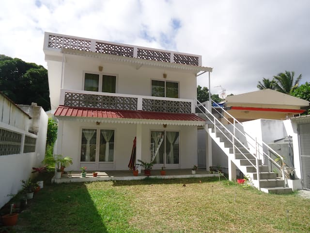 Brand new fully equipped house for 10 people - Port Mathurin - Casa