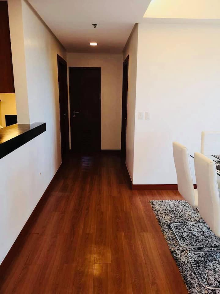 For Lease: 2 Bedroom Condo (102 sqm) w/ Parking