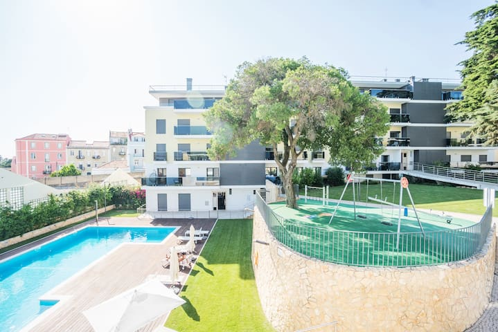 Luxury Belem Pool and Garden Apartment