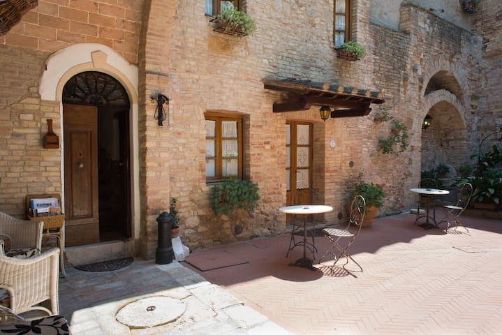 san gimignano apartment 5 px  parking  WiFi  7 - San Gimignano - Rumah