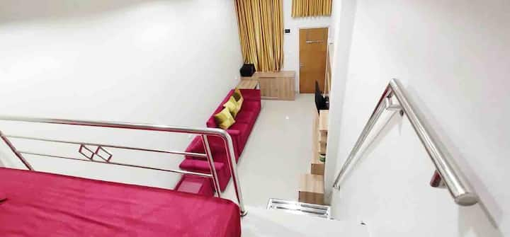 Spacious loft in central Jakarta near Grand Hyatt