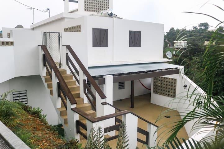 Modern Rincon Home | Queen bed | Beautiful views