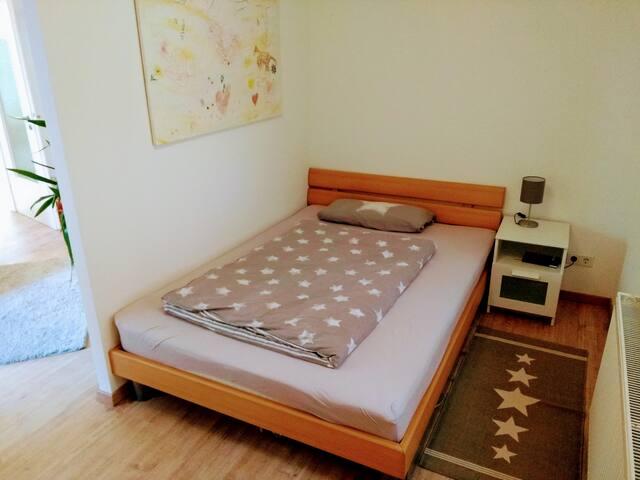 Doppelbett 1,4 m x 2,0 m