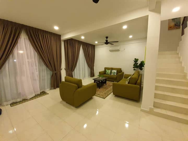 NEW ' Resort like' Muslim  house in Tengkera 4R 3B