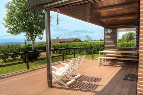 Piękny letni dom z widokiem na ocean na Fyn