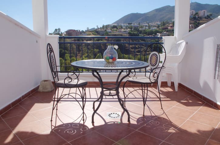 Apt in Benalmádena with terrace