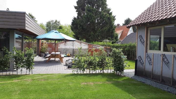Camping in garden TML: Shuttle serv. + breakfast