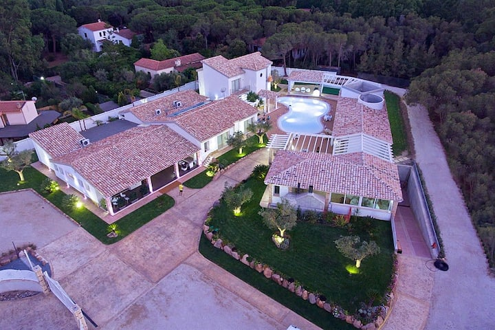 Eliantos DLX-C, with SPA and shared Swimming Pool