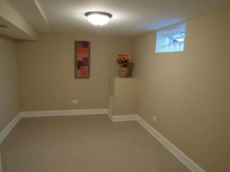 Bedroom, unfurnished, but Full bed is in the far left corner. Will fit a queen bed if want.