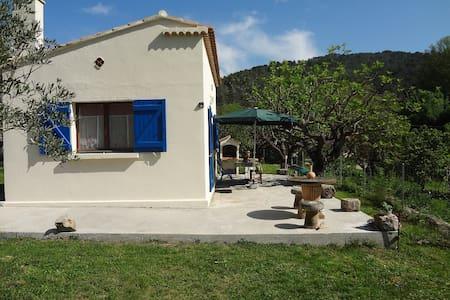 Cottage provençal  Zone Natura et rivière
