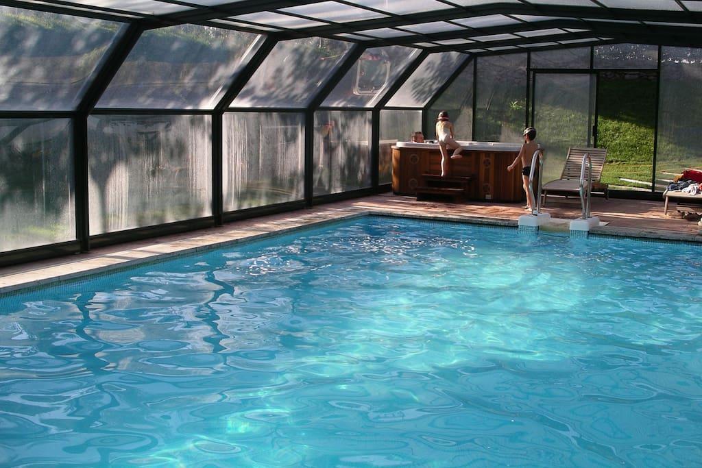 Casa rural cardona 7hab piscina climatizada padel for Casa rural catalunya piscina